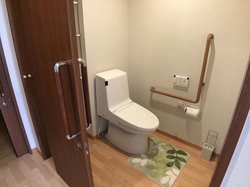 イリーゼ用賀(住宅型有料老人ホーム)の画像(17)共有③ トイレ
