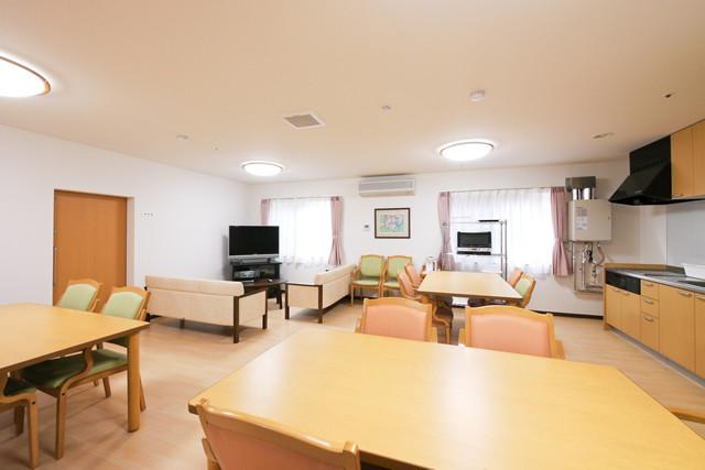 スタイルケア南越谷(介護付有料老人ホーム)の画像(12)2階談話室