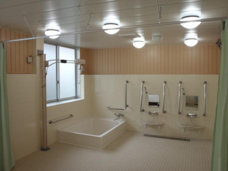 スタイルケア越谷(介護付有料老人ホーム(一般型特定施設入居者生活介護)/サービス付き高齢者向け住宅)の画像(4)大浴場です。