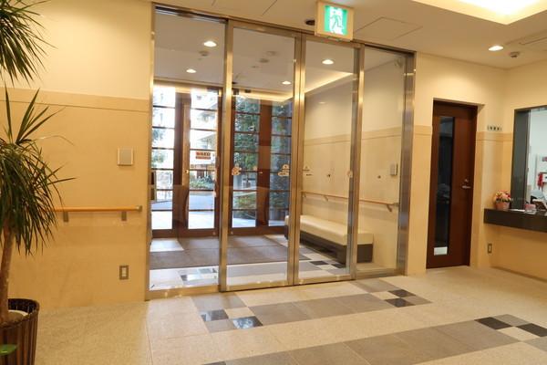 シンセリティ千代田一番町(介護付有料老人ホーム)の画像(2)エントランス