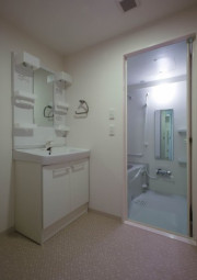 リリィパワーズレジデンス上大岡(サービス付き高齢者向け住宅)の画像(5)浴室・洗面台