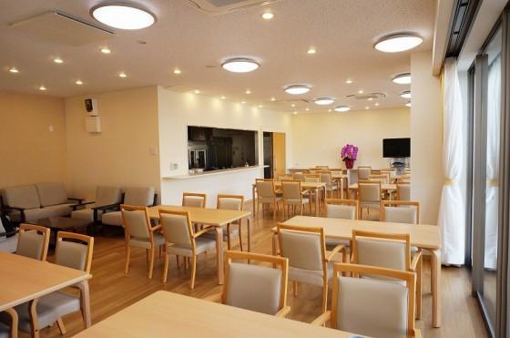 リリィパワーズレジデンス上大岡(サービス付き高齢者向け住宅)の画像(4)ダイニングルーム