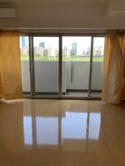 ヴェルジェ新横浜Ⅲ なしの郷(サービス付き高齢者向け住宅)の画像(7)居室リビング窓広く