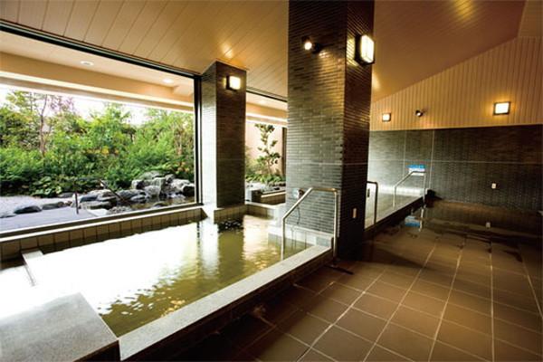 グリーンフォレストビレッジ楓コート(住宅型有料老人ホーム)の画像(9)大浴場(和風)