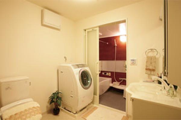 グリーンフォレストビレッジ楓コート(住宅型有料老人ホーム)の画像(4)居室浴室