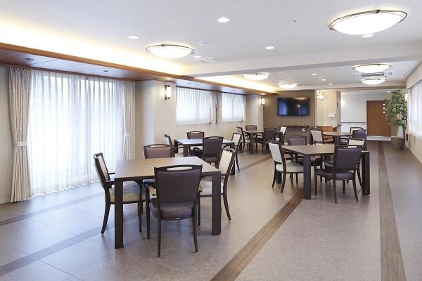 ニチイホーム用賀 (介護付有料老人ホーム(一般型特定施設入居者生活介護))の画像(4)レストラン
