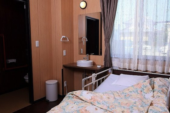 ファミリー・ホスピス鴨宮ハウス(サービス付き高齢者向け住宅)の画像(2)居室