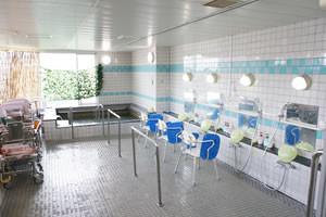 花珠の家ひがしとつか(介護付有料老人ホーム)の画像(5)浴室