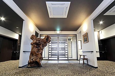 ハーウィル東武動物公園(サービス付き高齢者向け住宅)の画像(6)玄関