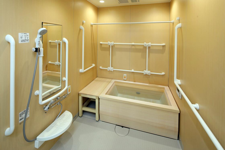 リハビリホームボンセジュール大倉山(住宅型有料老人ホーム)の画像(8)4F 檜風呂