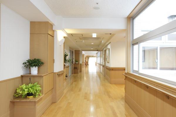 トラストガーデン本郷(介護付有料老人ホーム)の画像(8)3F廊下