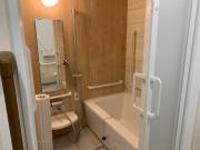 ツクイ・サンフォレスト横浜センター北 (サービス付き高齢者向け住宅)の画像(13)浴室風呂