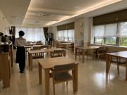 ツクイ・サンフォレスト横浜センター北 (サービス付き高齢者向け住宅)の画像(14)1階食堂