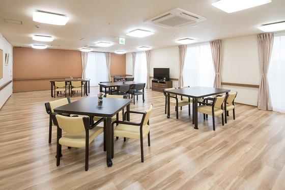 エイジフリーハウス横浜十日市場町 (サービス付き高齢者向け住宅)の画像(2)食堂