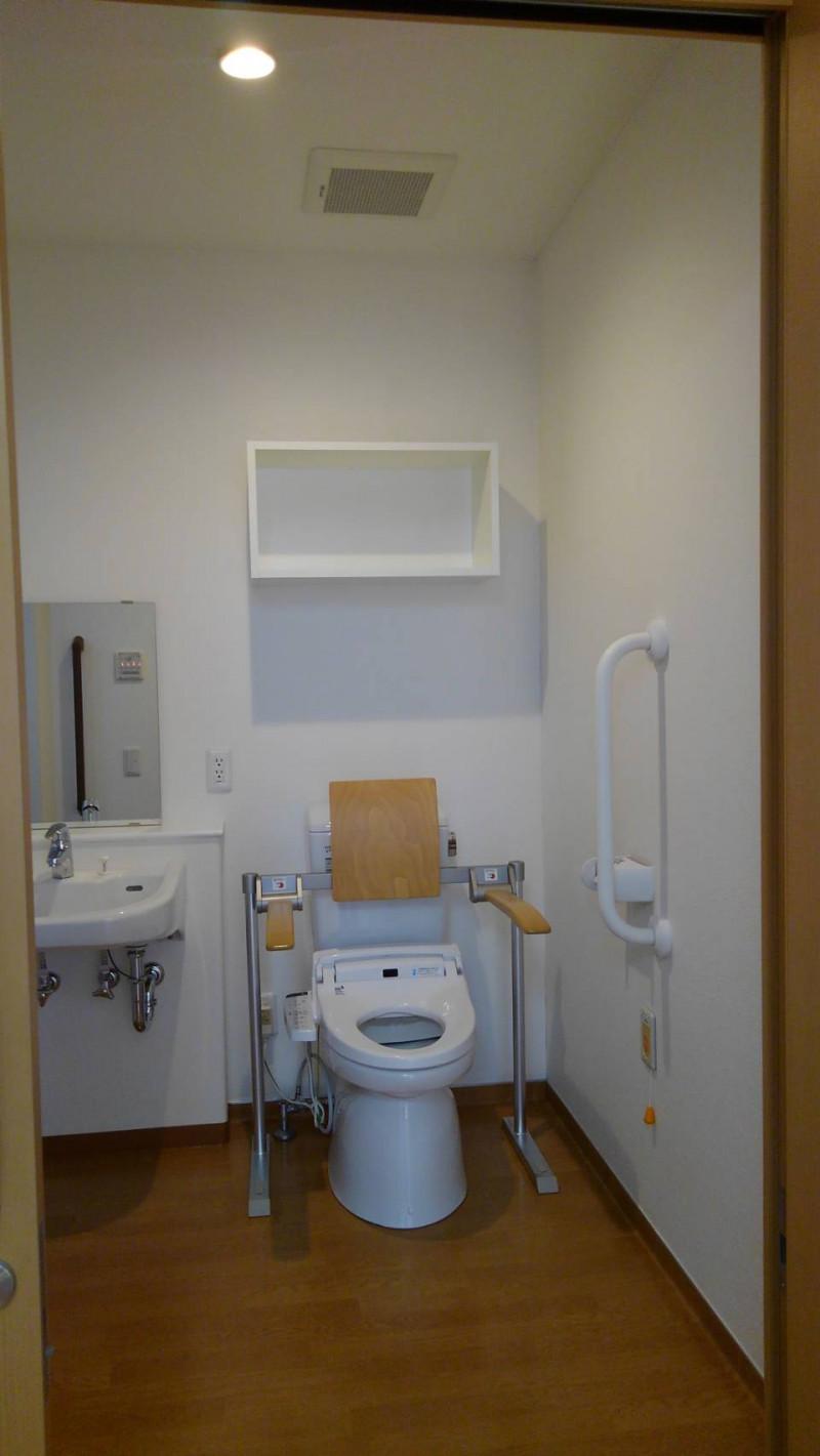 サティエ上大岡(サービス付き高齢者向け住宅)の画像(8)トイレ