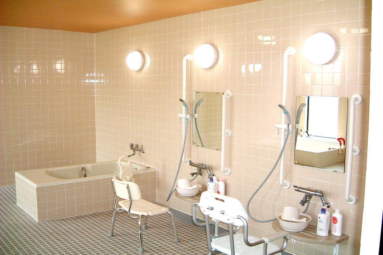 グランダ西大泉・練馬(介護付有料老人ホーム(一般型特定施設入居者生活介護))の画像(8)浴室