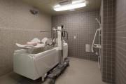 チャームプレミア深沢(介護付有料老人ホーム)の画像(21)機械浴
