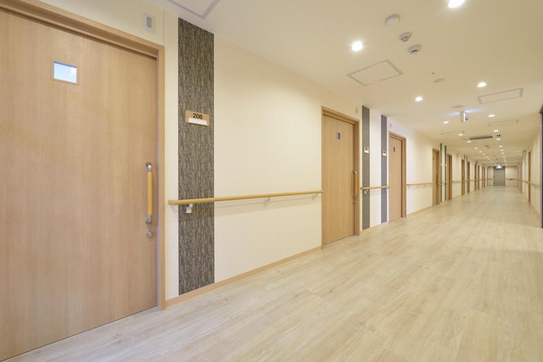 アミカの郷越谷(介護付有料老人ホーム)の画像(9)廊下