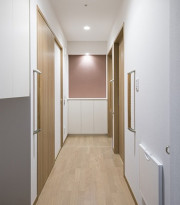 アイリスガーデン昭島 昭和の森(サービス付き高齢者向け住宅)の画像(7)廊下③