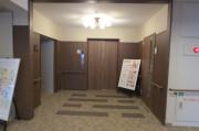 アイリスガーデン昭島 昭和の森(サービス付き高齢者向け住宅)の画像(4)エントランス
