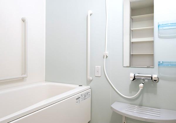 アイリスガーデン昭島 昭和の森(サービス付き高齢者向け住宅)の画像(11)浴室
