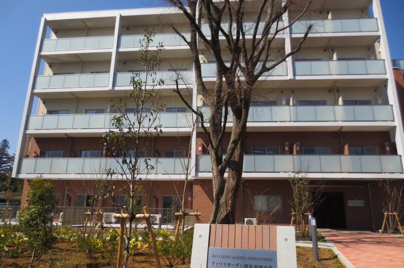 アイリスガーデン昭島 昭和の森(サービス付き高齢者向け住宅)の画像(1)外観①