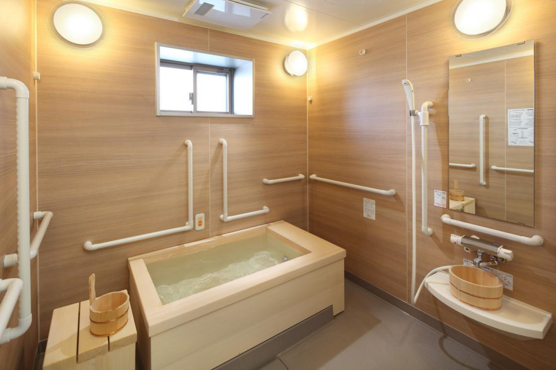 グランダ中村橋弐番館(介護付有料老人ホーム(一般型特定施設入居者生活介護))の画像(8)浴室