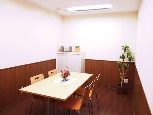 みんなの家・与野公園(介護付有料老人ホーム)の画像(8)談話室です。