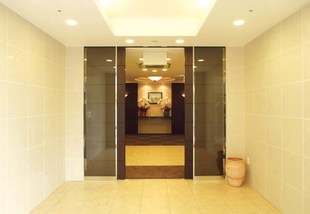 アズハイム光が丘(介護付有料老人ホーム)の画像(2)玄関