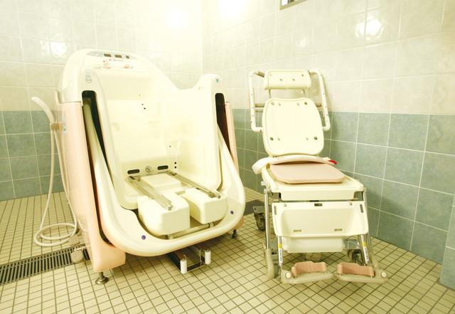 アズハイム光が丘(介護付有料老人ホーム)の画像(9)機械浴