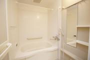 たちばな館(サービス付き高齢者向け住宅)の画像(6)浴室にも手すりが完備