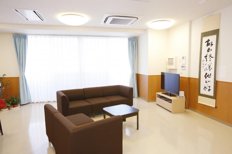 たちばな館(サービス付き高齢者向け住宅)の画像(12)談話室