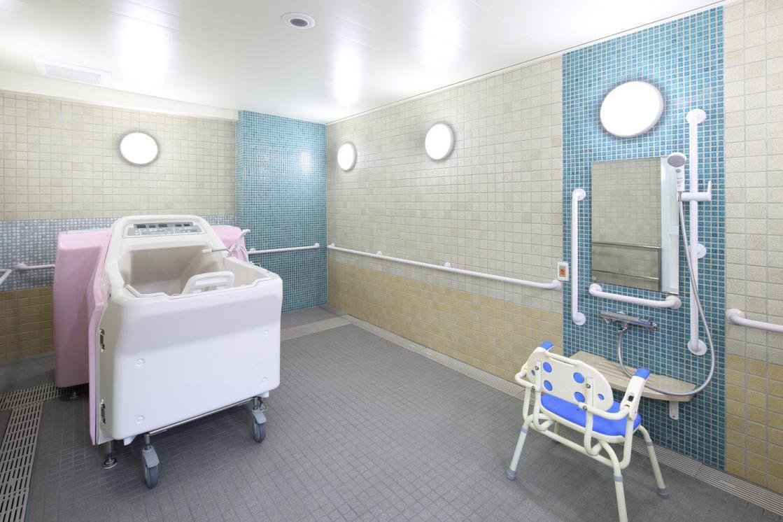 グランダ井荻(住宅型有料老人ホーム)の画像(8)1F 浴室