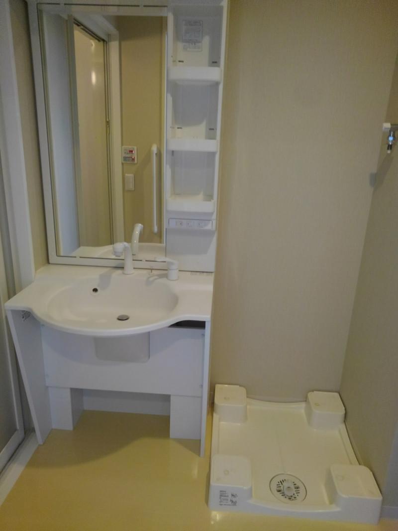 メックテラスたまプラーザ(サービス付き高齢者向け住宅)の画像(19)洗濯機置き場も完備