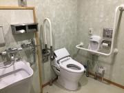 ご長寿くらぶ足立・六木(住宅型有料老人ホーム)の画像(10)共用トイレ