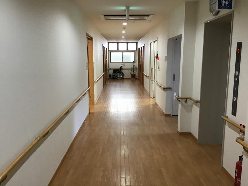 ご長寿くらぶ足立・六木(住宅型有料老人ホーム)の画像(6)廊下
