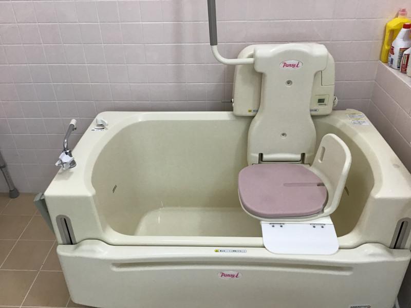ご長寿くらぶ足立・六木(住宅型有料老人ホーム)の画像(11)リフト浴