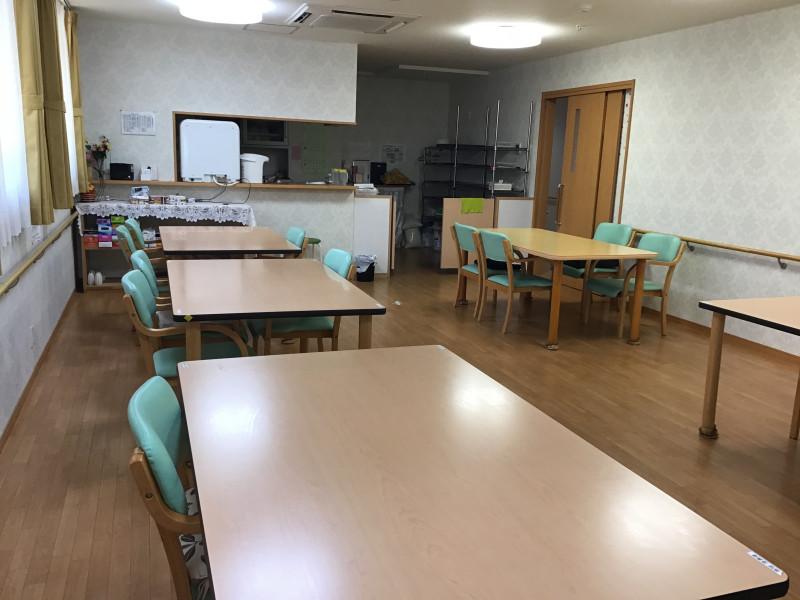 ご長寿くらぶ足立・六木(住宅型有料老人ホーム)の画像(5)食堂