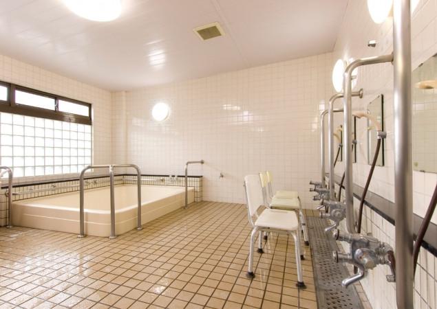 ライフコミューン豊島園(介護付有料老人ホーム)の画像(5)大浴槽