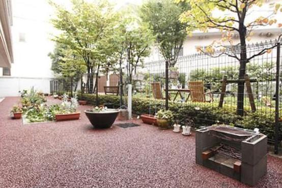メディカルホームくらら練馬江古田(介護付有料老人ホーム(一般型特定施設入居者生活介護))の画像(6)1F 中庭