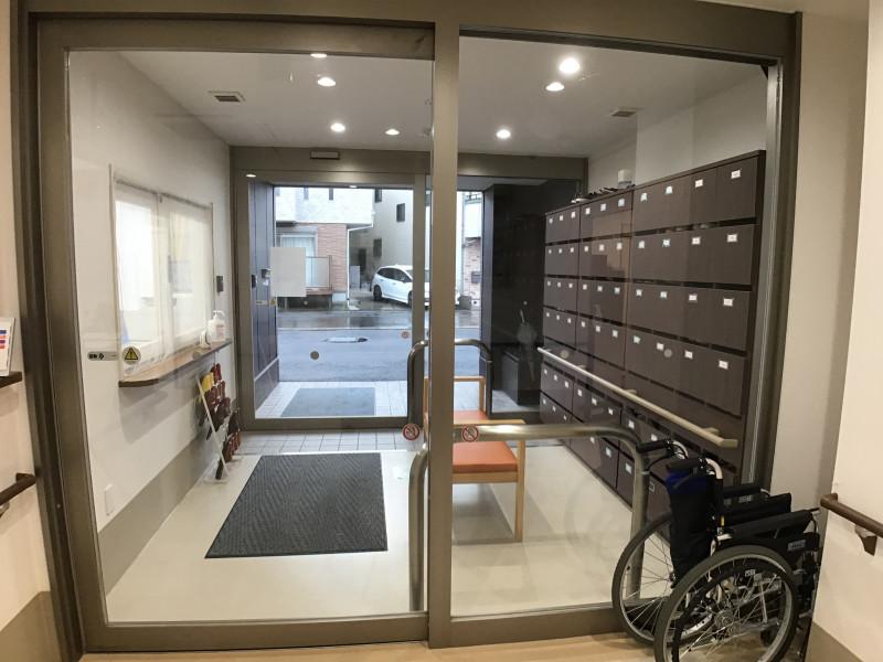 ココファン稲田堤(サービス付き高齢者向け住宅)の画像(4)エントランス