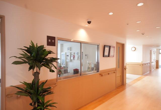 ようせいメディカルコート(サービス付き高齢者向け住宅)の画像(3)フロント