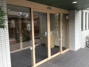 グレイプスガーデン西新井大師(サービス付き高齢者向け住宅)の画像(5)玄関