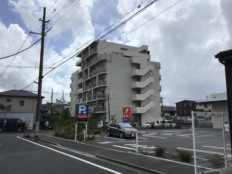 グレイプスガーデン西新井大師(サービス付き高齢者向け住宅)の画像(20)国道からの外観