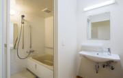 ココファン浦和六辻(サービス付き高齢者向け住宅(一般型特定施設入居者生活介護))の画像(4)居室内浴室・洗面所