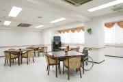リアンレーヴ西葛西(介護付有料老人ホーム)の画像(3)食堂