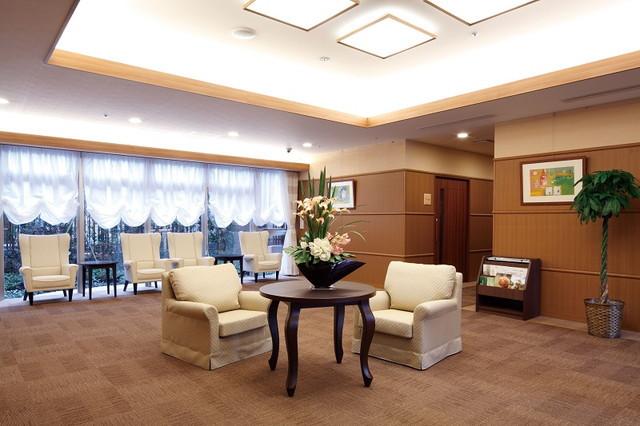 ニチイホーム江戸川(介護付有料老人ホーム)の画像(5)1階エントランス