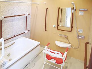 花物語かわさき(グループホーム)の画像(3)共用浴室