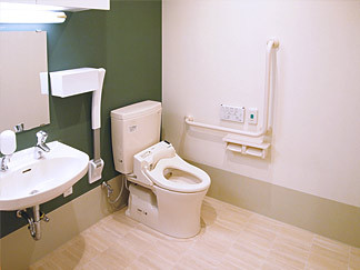 花物語かわさき(グループホーム)の画像(4)共用トイレ