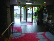 フローレンスケアホーム川崎大師(介護付有料老人ホーム)の画像(8)玄関